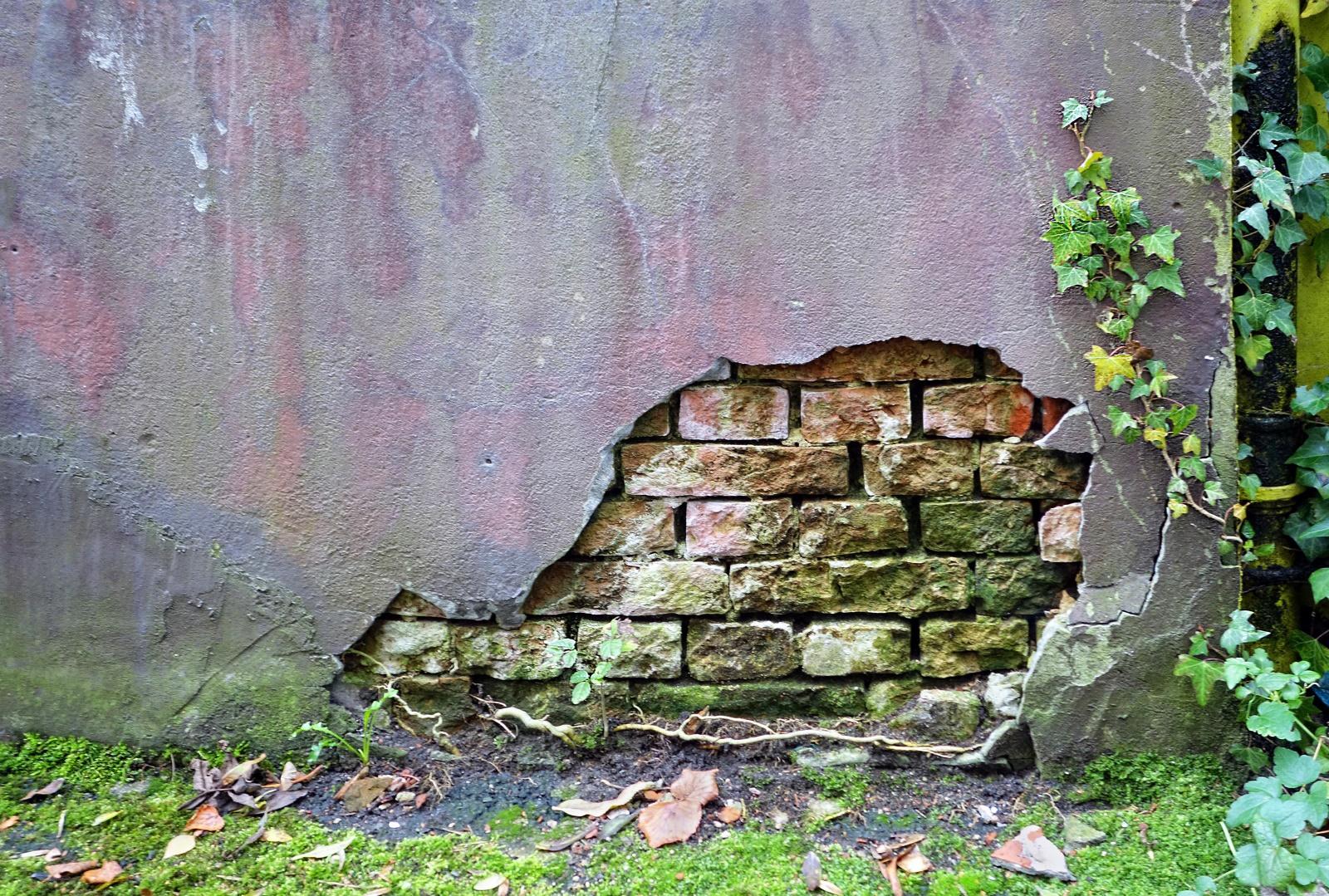 Ruinen und alte Häuser